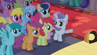 Sweetie Belle pointing S2E11