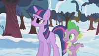 Twilight wants to help Applejack S1E11