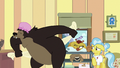 Grizzly bear toweling himself off S7E5.png