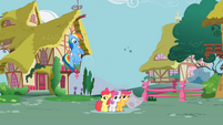 Rainbow Dash and CMC S2E23