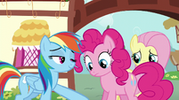 Rainbow removes Pinkie's photos from her face S6E11