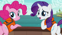 Rarity apologizing to Applejack S6E22