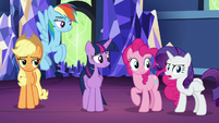 Rarity sticks up for Twilight Sparkle S7E26