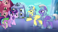Royal guards stop Twilight and friends S6E16