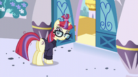 S05E12 Moondancer patrzy na Twilight
