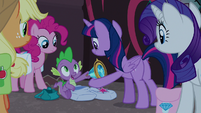 Spike giving Twilight Sparkle the Key S8E25