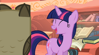 Twilight giggling S1E24