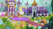 Wide view of Canterlot Castle courtyard S9E24