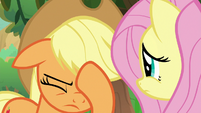 Applejack face-hoofs S8E23