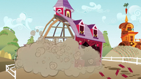 Barn begins to fall apart S3E08