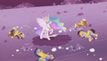 Celestia stands alone on the battlefield S5E25.png