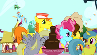 Derpy drinking from chocolate fountain S4E12