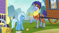 Hoo'Far pleased by Trixie's acceptance S8E19