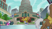 Maud and Rarity on the ice skating rink S6E3