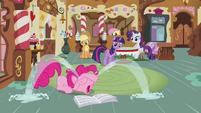 Pinkie Pie's tear fountain -It's true! I do have a problem!- S02E23