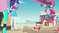 Pinkie Pie skittering away like a crab EGDS16