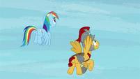Rainbow and Flash Magnus look at the sky S7E26