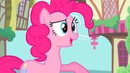 S02E18 Pinkie rozmawia