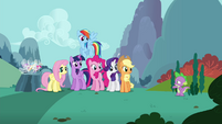 """Spike """"just gonna stay over here"""" S4E16.png"""