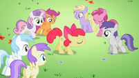 Students gathering around Apple Bloom S2E06