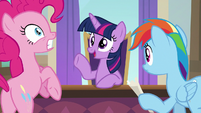 Twilight Sparkle interrupting her friends S8E1