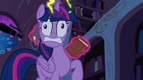 Twilight involuntarily levitating books S4E26