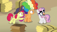 Cutie Mark Crusaders notice Big Mac leaving S7E8