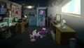 Dean Cadance finds Twilight on the floor EG3.png