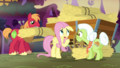 """Fluttershy """"you do seem to have quite a lot"""" S5E21.png"""