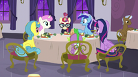 Minuette asking Moon Dancer about her career plans S5E12