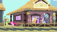 Pinkie Pie running for Fluttershy S4E11
