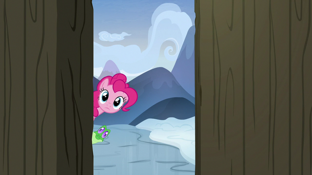 File:Pinkie and Gummy look inside Yakyakistan S7E11.png