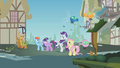 """Rarity """"everypony for herself!"""" S1E10.png"""