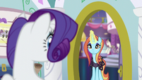 Rarity sees Sassy at her door S5E14