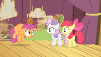 Scootaloo hovering S4E05