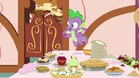 """Spike """"did somepony else bake these?"""" S9E23"""