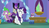 Spike flies rapidly past Rarity S9E19