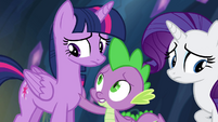 Spike reassuring Twilight S4E25