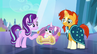 Starlight asks Sunburst what's going on S6E16