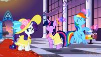 Twilight and Rainbow having fun S2E09