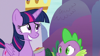 Twilight grinning nervously at Celestia S9E13