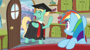 Zephyr -graduated from mane therapy training- S6E11