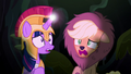 Applejack doesn't know what's going on S5E21.png