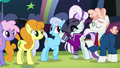 Countess Coloratura gives hoofsie to Shoeshine S5E24.png