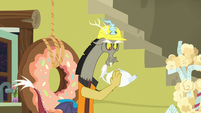 Discord duplicate catches flying teapot S7E12