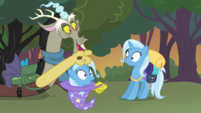 Discord pulls a Trixie out of a hat S6E26