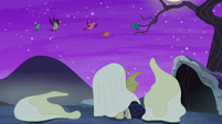 Glowing ghosts revealed to be birds S5E21