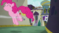 Pinkie Pie hopping down an alley S6E12