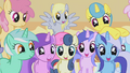 Ponies drooling over muffins half 2 S1E04.png