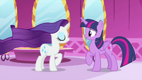 Rarity's mane starts moving again MLPS1